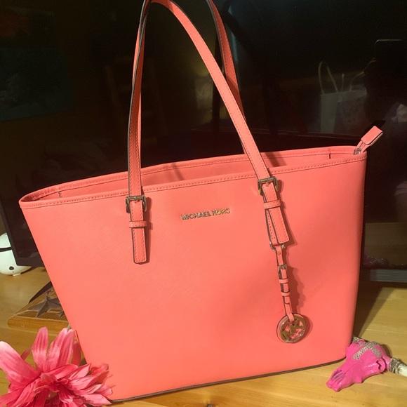 Michael Kors Handbags - Coral Michael Kors💕